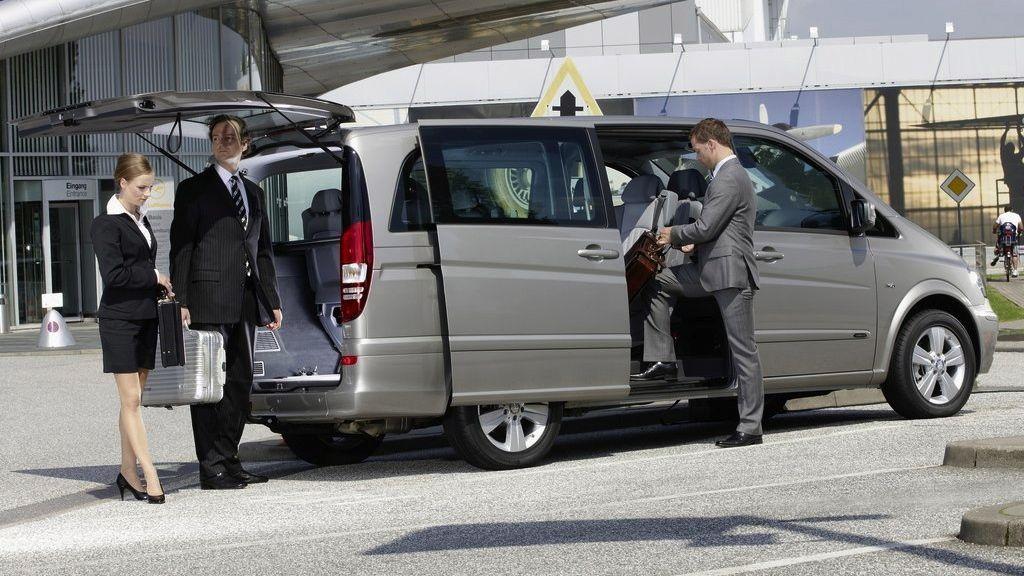 Servicii excelente de transfer aeroport pentru toti pasagerii