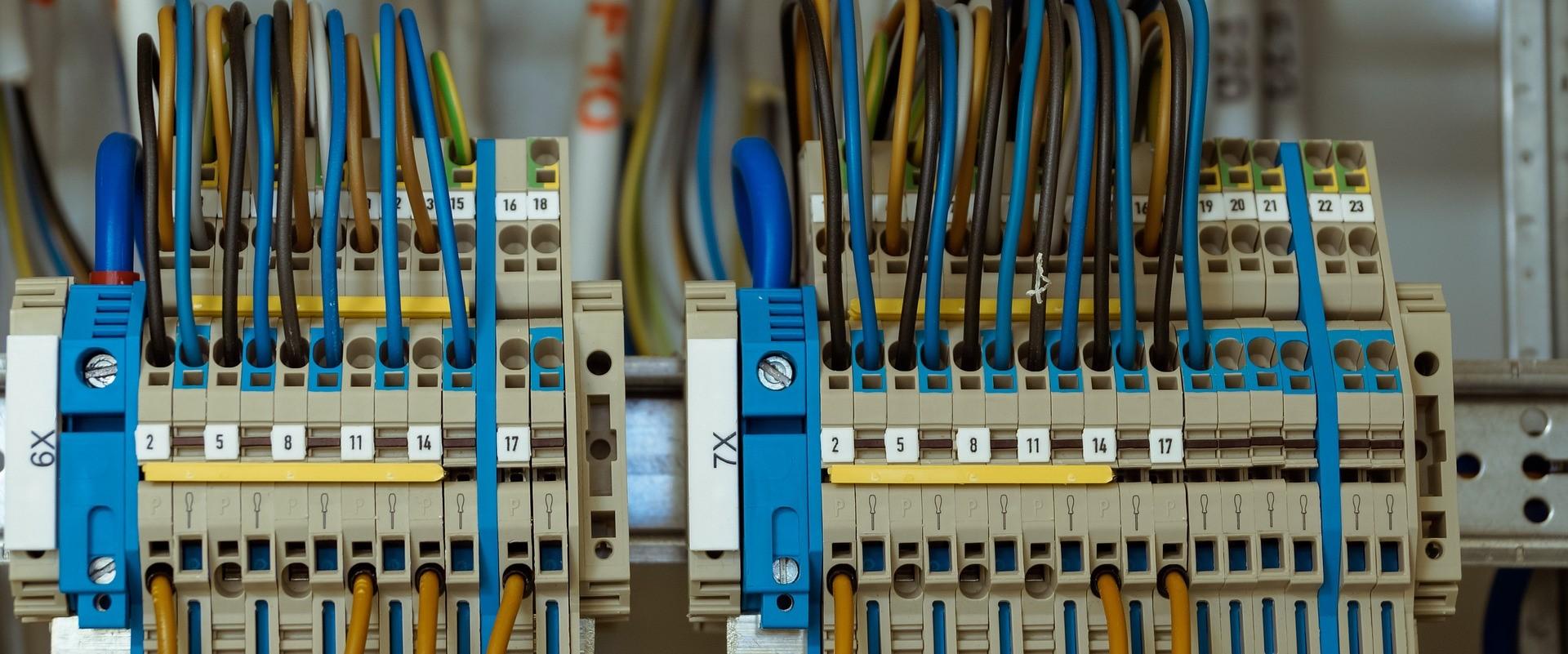 Instalatii electrice interioare Bucuresti- realizate de catre adevarati profesionisti in domeniu