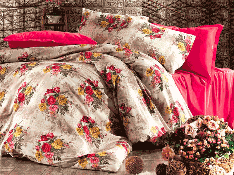Amenajati-va camera in stil regesc cu lenjerii de pat Romania