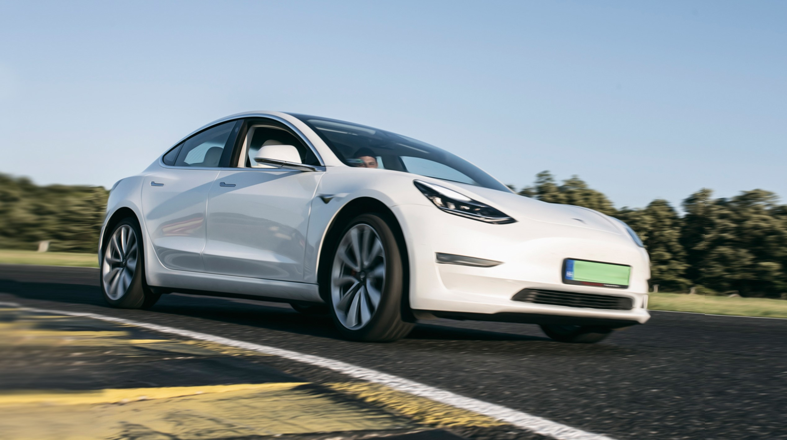 Cele mai bune solutii financiare pentru autoturismele Tesla in Romania